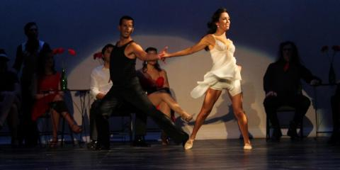 A Dance Studio Instructor's Guide to Confidence in Social Dancing, San Diego, California