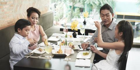 3 Benefits of Dining at Restaurants With Your Family, Queens, New York