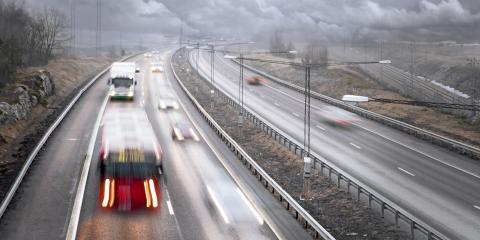 Heavy-Duty Wrecker Service Experts' 3 Tips for Driving in Rain, Delhi, Ohio