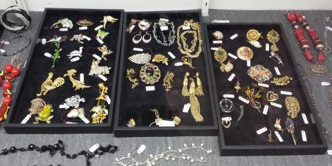3 Memorable Time Periods in Vintage Jewelry, Martinsburg, West Virginia