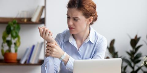 Top 5 Warning Signs of Carpal Tunnel Syndrome, Stone Mountain, Georgia