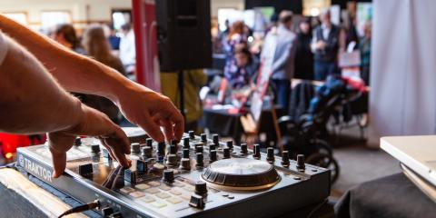 3 Reasons to Hire a Professional DJ for Corporate Events, Reading, Ohio