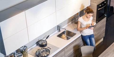 Solid Wood Versus Glass Custom Kitchen Cabinets, Chesterfield, Missouri