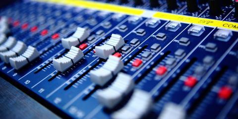 Lưu trữ một sự kiện?  Dưới đây là Cách kiểm tra video & amp;  Thiết bị âm thanh, Rochester, New York