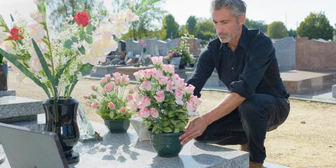 An Etiquette Guide for Sending Sympathy Flowers, ,