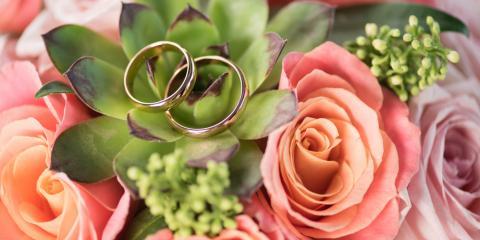 5 Blooms to Include in Your Wedding Flower Arrangement, Fort Dodge, Iowa