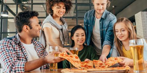 3 Reasons to Throw a Pizza Party, ,