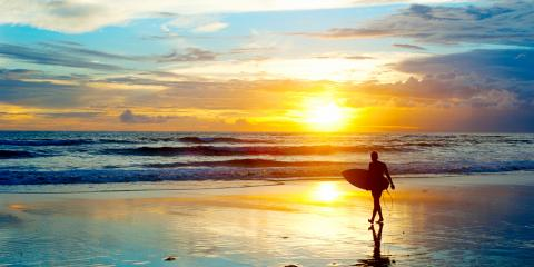 What's the Difference Between Surfing & Paddleboard?, Santa Monica, California