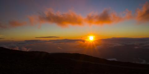 4 Factors That Create Stunning Hawaiian Sunsets, Kahului, Hawaii