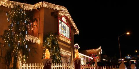 3 Tips for Hanging Holiday Decorations Along Your Roof, Omaha, Nebraska