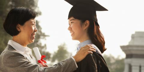 How to Celebrate Your Graduate With Flowers, ,