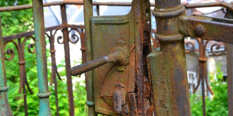 A 3-Step Guide to Removing Fence Rust, Ewa, Hawaii