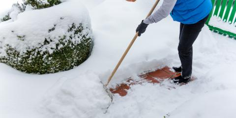 How to Prevent Back Pain When Shoveling Snow, North Pole, Alaska