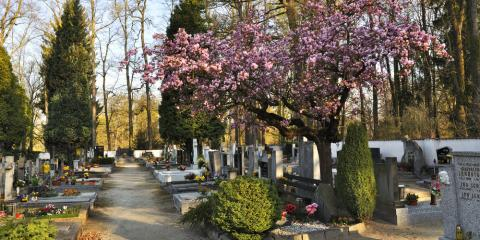 3 Tips for Proper Cemetery Etiquette, Le Roy, New York