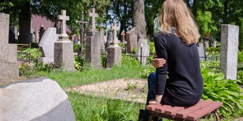 A Guide to Bench Memorials, Schroeppel, New York