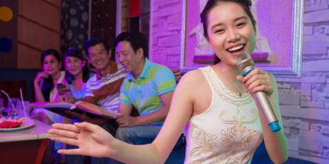 5 Basic Etiquette Rules to Remember for Your Next Visit to the Karaoke Bar, Honolulu, Hawaii
