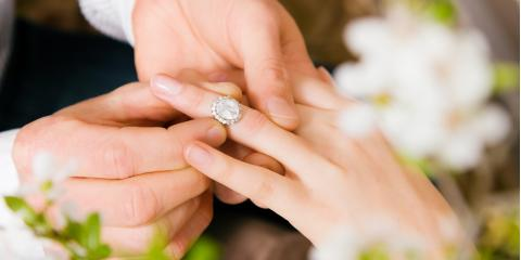 5 Questions to Ask Your Jeweler When Buying an Engagement Ring, Florissant, Missouri