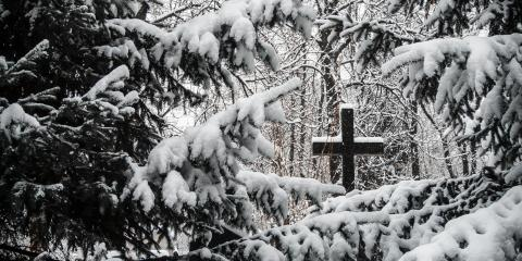A Guide to Planning a Winter Funeral , Onalaska, Wisconsin