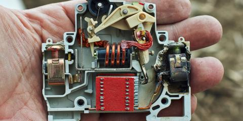 An Electrician Explains How Electrical Wiring & Circuit Breakers ...