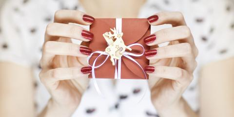 Do's & Don'ts of Selecting a Holiday Nail Color, Milford, Ohio