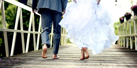 How to Keep Your Wedding Dress Clean at an Outdoor Venue, Honolulu, Hawaii