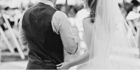 Planning an Outdoor Wedding? 4 Portable Potty Decorating Tips, Dry Ridge, Kentucky