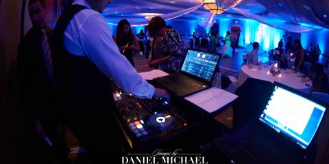Cincinnati's Best Wedding Photographer Helps You Choose a DJ for Your Special Day, Reading, Ohio