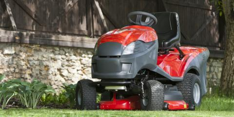 A Brief Guide to Differences Between Riding Lawn Mowers; Lawn & Garden Tractors, Wentzville, Missouri