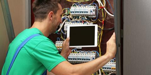 3 Signs You Need to Call an Emergency Electrical Service, Texarkana, Arkansas
