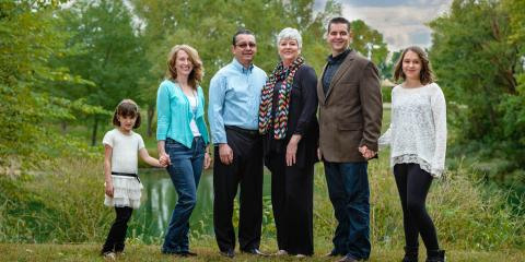 7 Tips for Coordinating Outfits for Family Portraits, St. Charles, Missouri