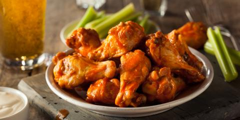 4 Tips for Eating Spicy Wings, Manhattan, New York