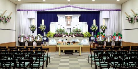What Is the Difference Between a Memorial & Funeral Service? , Kent, Washington