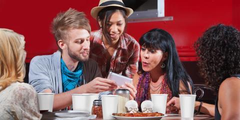 Grins Restaurant Welcomes New Texas State University Freshmen, San Marcos, Texas