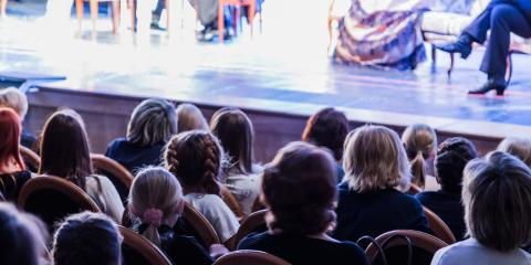 Chicago Vs. New York City: Which Has the Best Theater Scene?, Manhattan, New York