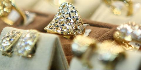 3 Good Reasons to Buy Jewelry From a Pawn Shop , Hinesville, Georgia