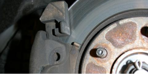 5 Signs You Need New Brake Pads From Fantastik Auto Repair, Honolulu, Hawaii