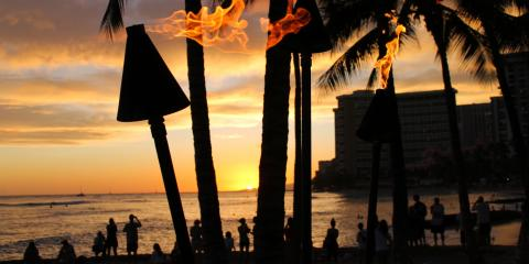 What to Wear to a Luau, Honolulu, Hawaii