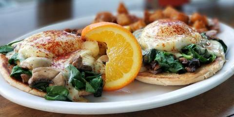 Eggs 'n Things Goes West to Open Fourth Oahu Breakfast Restaurant, Honolulu, Hawaii