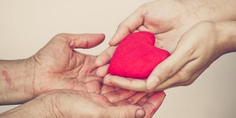 How Giving During the Holidays Boosts Your Health & Wellness, Honolulu, Hawaii