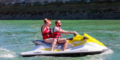 5 Safety Tips for Riding Jet Skis, Honolulu, Hawaii