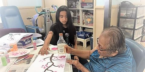 Top 3 Ways Intergenerational Programs Benefit Seniors & Children Alike, Ewa, Hawaii