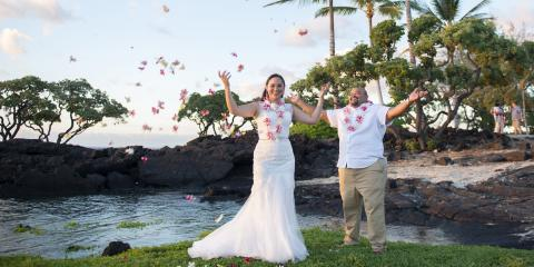 Your Guest List: 3 Helpful Tips to Keep in Mind When Getting Married in Hawaii, Kailua, Hawaii
