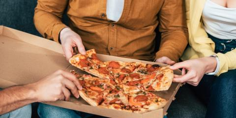 4 Ways to Eat a Slice of Pizza, ,