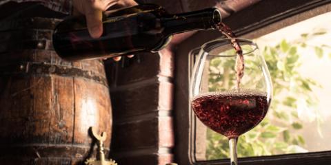 Café Explains 3 Stages of Winemaking, Lakeville, Minnesota