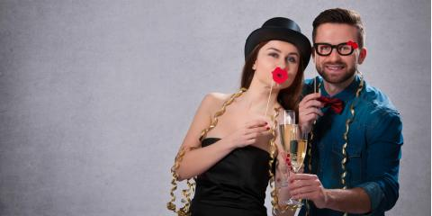 3 Reasons to Enhance Your Holiday Party With a Photo Booth, St. Louis, Missouri