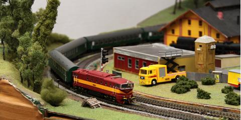 A Brief Guide on Model Trains, ,