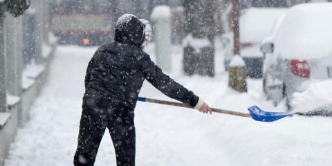 5 Ways to Avoid Neck & Back Pain From Shoveling Snow, Mountain Home, Arkansas