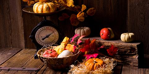 5 Straw & Gourd Fall Décor Ideas From Your Local Farmers Market, Vineland, New Jersey