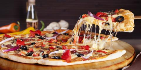 Why Restaurant Pizza Tastes Better Than Homemade Pizza, Oconto, Wisconsin