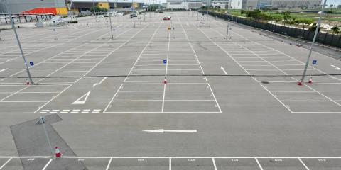 3 Signs Your Parking Lot Needs Relining, Nixa, Missouri